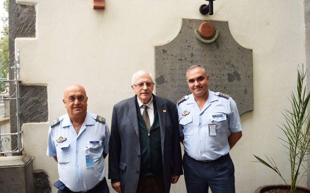 Recibimos la visita del  Coronel Jefe del Grupo del Mando Aéreo de Canarias