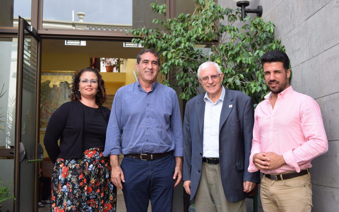 Nos visita los Concejales D. Francisco Candil y D. David Suárez