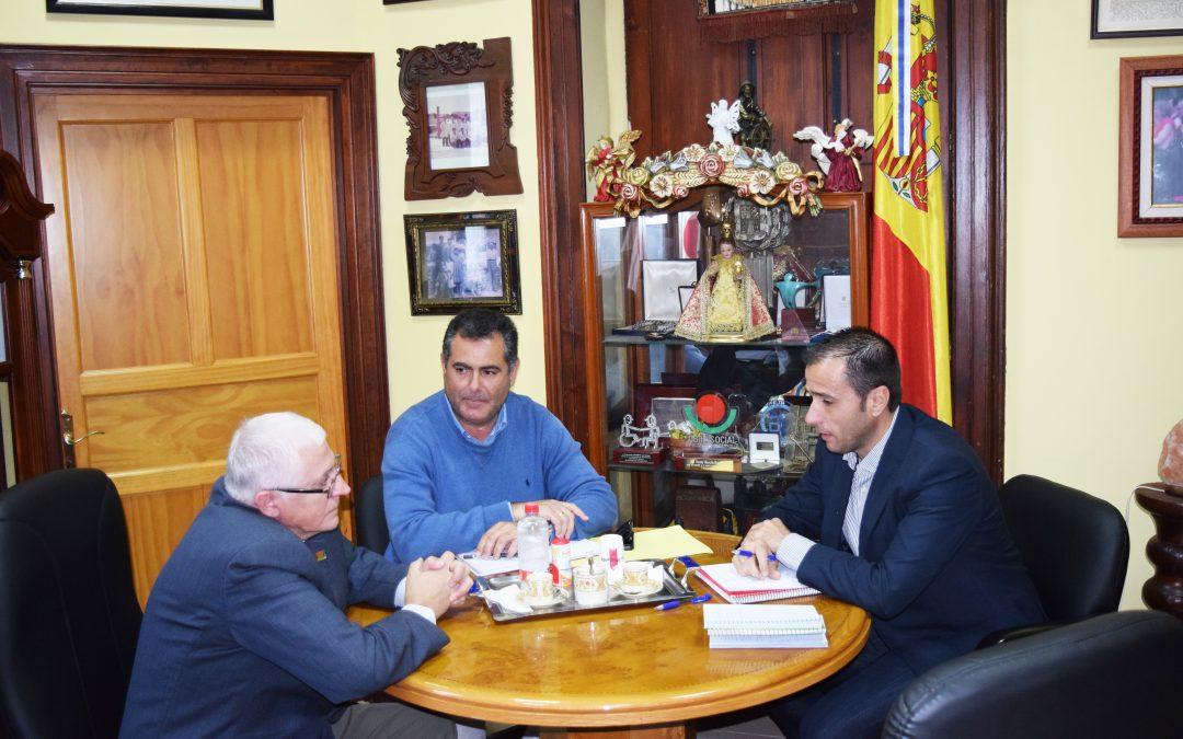 Visita de concejales del Partido Popular en la oposición en el Ayuntamiento de Las Palmas de G.C.